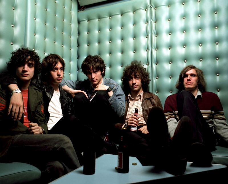 the-strokes-is-this-it-2
